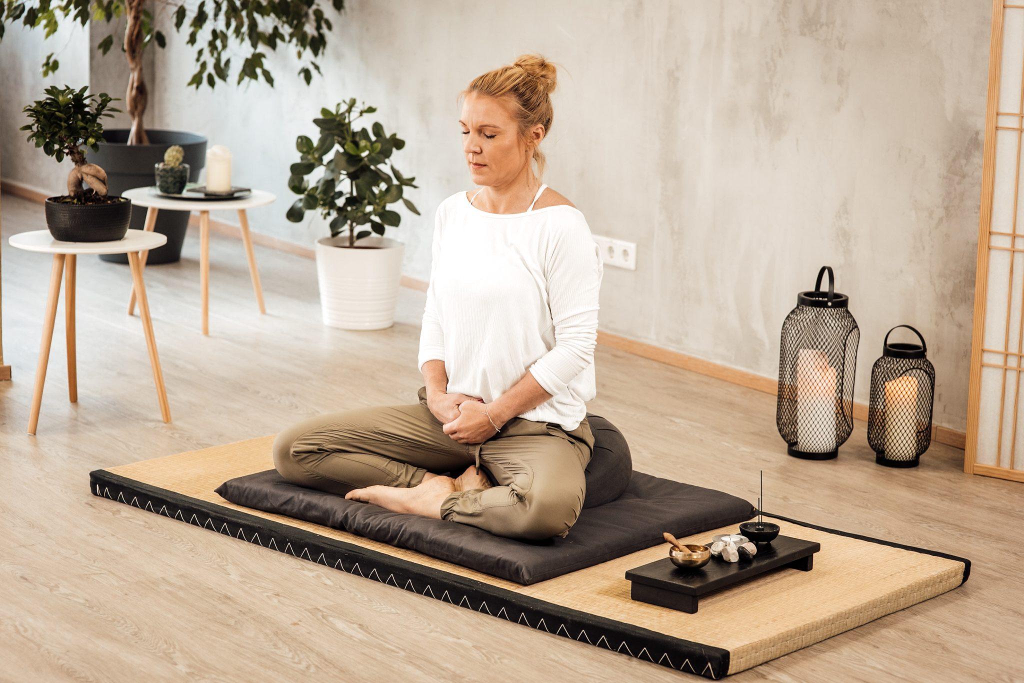 Video Zen Meditation Hara - Conny Hörl